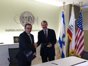 Michel Hivert, Executive Director at MATIMOP (L) and ICOC Chairman Jonathan Thomas