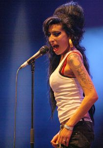 Amy Winehouse: a tremendous talent lost to bipolar disorder. Credit: Wikimedia Commons