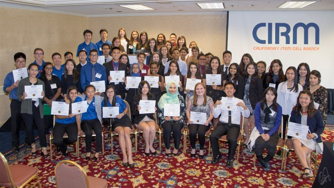 SPARK students take a group photo with CIRM SPARK director Karen Ring.