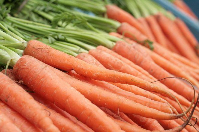 800px-carrots